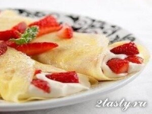 Рецепт Блины с муссом и клубникой (фото)