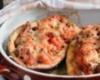 Фото: Фаршированные мясом лодочки из баклажанов