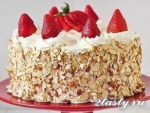 Клубничный бисквитный торт (фото)