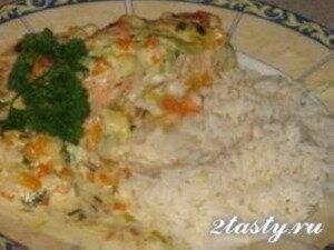 Фото: Лосось запеченный с овощами в сливочном соусе