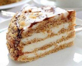 Фото: Мини-торт «Эстерхази» с ромовым кремом