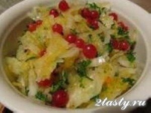 Фото: Овощной салат с тыквой, капустой и картофелем