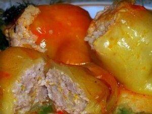 Фото: Болгарский перец фаршированный под сметанным соусом