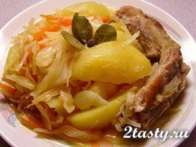 Рецепт Свиные ребрышки с капустой (фото)