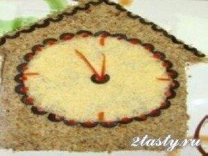 Фото: Праздничный салат «Часики»