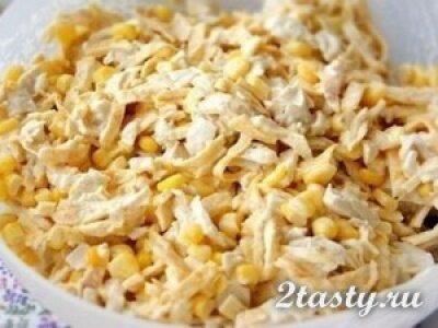 Рецепт Яичный салат с курицей и кукурузой (фото)
