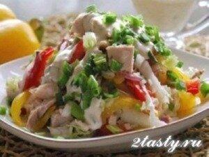Рецепт Овощной салат с курицей (фото)