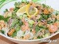 Экзотический салат из осьминогов, креветок и мидий