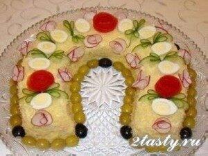 Фото: Салат с перепелиными яйцами «Подкова»