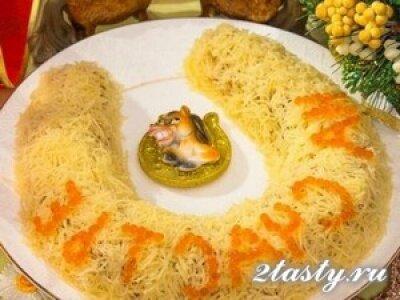 Фото: Крабовый салат «Подкова на счастье»