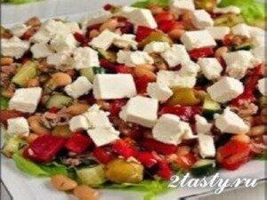Рецепт Салат из фасоли с тунцом и оливками (фото)