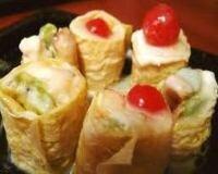 Рецепт Сладкие роллы из риса и ягод (фото)