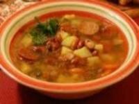 Рецепт Суп из фасоли с копчеными колбасками (фото)