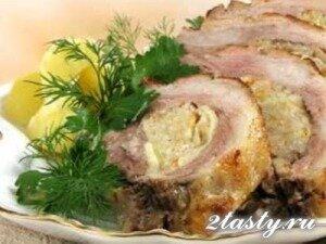 Рецепт Грудинка свиная фаршированная капустой (фото)