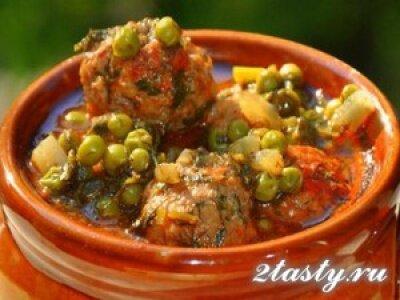 Рецепт Тефтели в соусе с зеленым горошком (фото)
