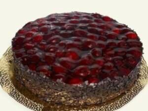 Рецепт Многослойный торт с вишней «Полет» (фото)