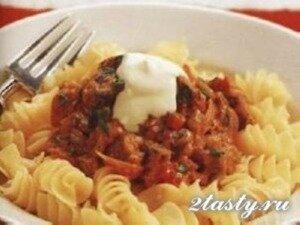 Рецепт Тушеные овощи с макаронами и сыром (фото)