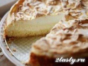 Фото: Творожный пирог с меренгой